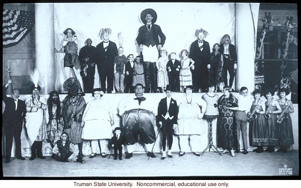 A group photo of circus acts (Congress of Freaks, Ringling Brothers Circus).