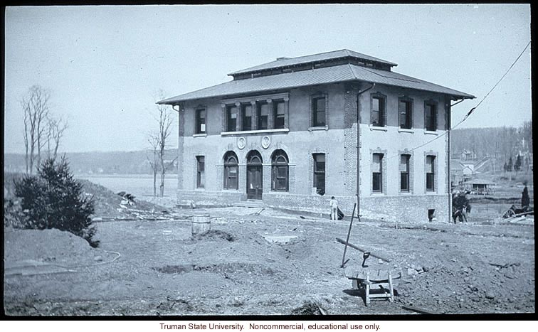 Research and administration building under construction at the Carnegie Station for Experimental Evolution, Cold Spring Harbor, N.Y.